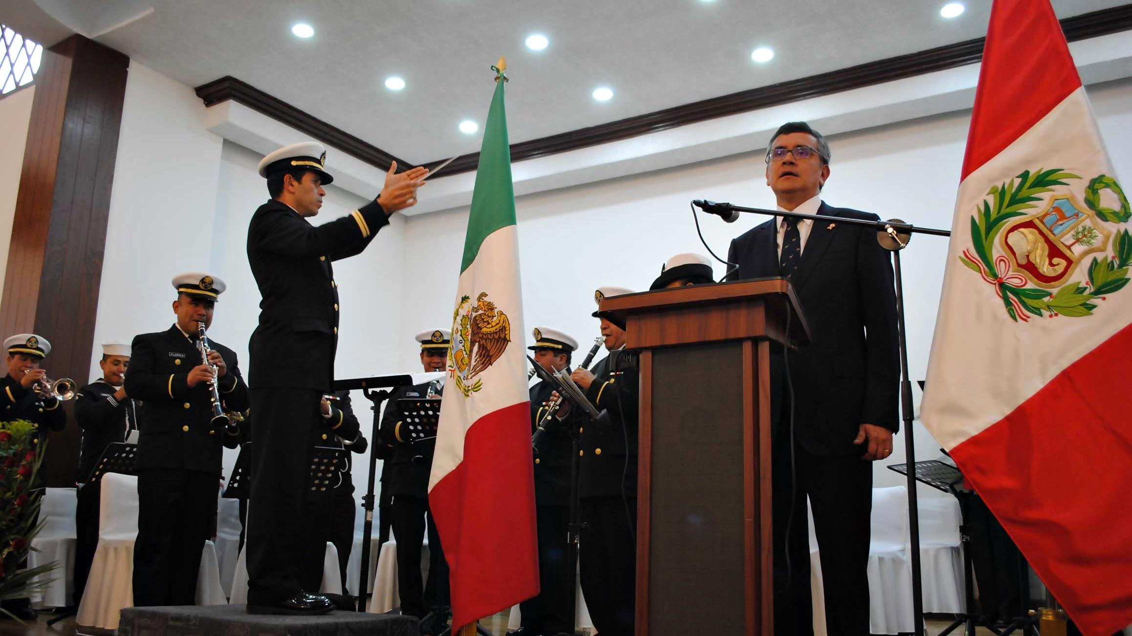 Peruanos en México