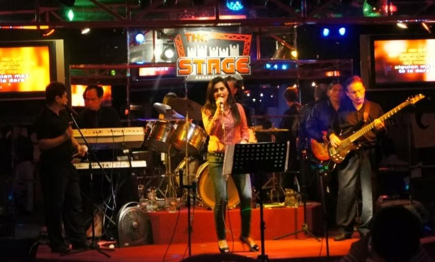 The Stage Karaoke Show en Lima